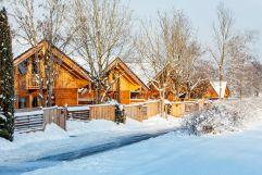 Chalets Zufahrt im Winter (Bayern Chalets)