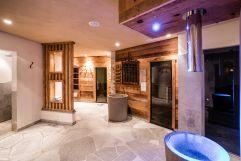 Crash-Ice Brunnen im Wellnessbereich (c) Daniel Demichiel (Hotel Sun Valley)