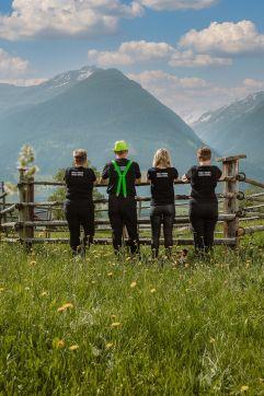 Das BergBaur-Team vor herrlicher Kulisse (c) Wolfgang Scherzer - Verwolf Production (BergBaur)