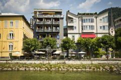 Das Hotel Goldenes Schiff am Ufer der Traun (Hotel Goldenes Schiff)