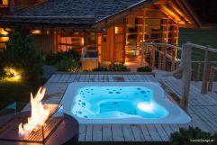 Der Panorama-Whirlpool oberhalb der Wellnessoase (Tirler- Dolomites Living Hotel)