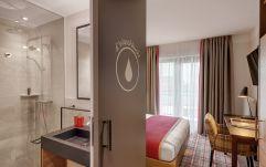 Designer-Bad mit Regendusche (c) Thomas Haberland (Hotel Traumschmiede und Gasthof zur alten Schmiede)