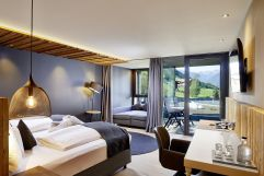 Die neue Aurina Suite mit Panoramafenster (c) Michael Huber (Wellnessresort Amonti & Lunaris)
