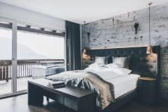 Die neue Suite 1400 Deluxe mit eigenem Whirlpool auf dem Panoramabalkon (c) Tiberio Sorvillo (Hotel Golserhof)