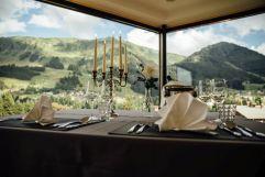 Dinner for two in der Brüüge mit tollem Panoramablick (c) Andy Mayr (Genuss & Aktivhotel Sonnenburg - Kleinwalsertal Hotels)