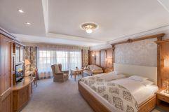 Doppelzimmer de Luxe mit Balkon im Hotel Trofana Royal