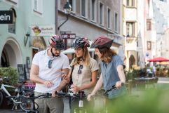 E-Bikes stehen in der Silberregion Karwendel zum Verleih bereit (c) Angélica Morales (TVB Silberregion Karwendel)