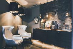 Edle Wellnessbar im Saunabereich (c) Tiberio Sorvillo (Hotel Golserhof)
