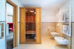 Eigene Sauna in der Rustikal De Luxe Wellnesssuite (c) Daniel Demichiel (Hotel Sun Valley)