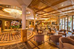 Einladende Hotellobby (c) Lorenz Masser (Hotel Quelle Nature Spa Resort)