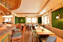 Einladender Barbereich (c) Werbewind GmbH (Hotel Jagdhof)