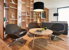 Einladender Loungebereich (c) Andi Mayr (Genuss & Aktivhotel Sonnenburg - Kleinwalsertalhotels)