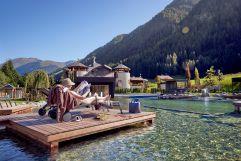Entspannende Stunden am Badeteich (c) Michael Huber (Fontis eco farm & suites)