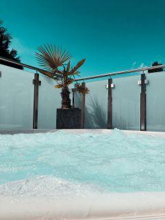 Entspannte Stunden im Whirlpool genießen (c) Sina Reinheimer (Parkhotel Burgmühle)