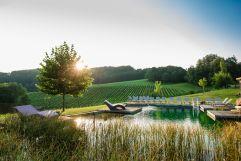 Entspanntes Baden bei wunderschönem Ausblick (c) Karin Bergmann (Ratscher Landhaus)