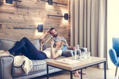 Entspannung im Wohnbereich (c) Silvia Weiss (Hotel Alpenhof)