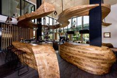 Exklusives Design in der Hotelbar Freiraum (c) Peter Kuehnl (PURADIES Hotel & Chalets)