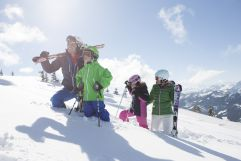 Familie auf dem Berg (c) TVB WagrainKleinarl (Chaletdorf Prechtlgut)