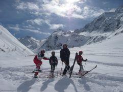 Familie beim Skifahren (c) Peter Leitner (Alpengasthof Zollwirt)