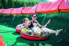 Familie beim Summer Tubing (c) Rotwild (Olang)