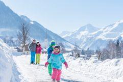 Familienwanderung im traumhaften Raurisertal (c) Fotostudio Creatina (Tourismusverband Rauris)
