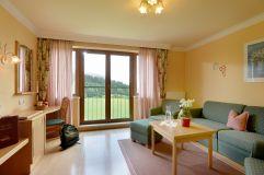 Familienzimmer-Wohnzimmer (Hotel Waldfriede)