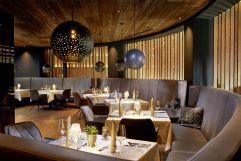 Festlich gedeckte Tische im Restaurant (Wellnessresort Amonti & Lunaris)