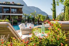 Gartenanlage im Plantitscherhof mit Pool (c) Günter Standl (winzerhotels)