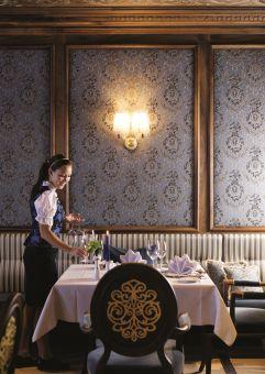 Gedeckter Tisch in der Kaiserstube (c) No Limit Fotodesign (Trofana Royal)