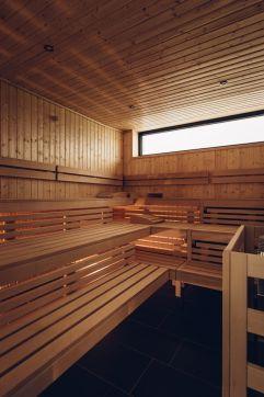 Gemütliche finnische Sauna (c) Andy Mayr (Genuss & Aktivhotel Sonnenburg - Kleinwalsertalhotels)