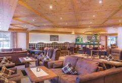 Gemütlicher Lobbybereich (Parkhotel Burgmühle)