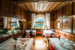 Gemütliches Ambientes im Restaurant (c) Daniel Demichiel (Hotel Hohe Gaisl)
