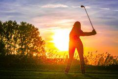 Golfen bei Sonnenuntergang (Bad Bük)