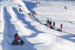 Großes Vergnügen beim Snowtubing (c) Hubert Bernard (Peternhof)
