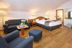 Großzügiges Studio Zimmer im Concordia Wellnesshotel & SPA (c) Heimplätzer Werbefotografie (Concordia Wellnesshotel & Spa)