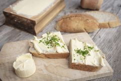 Gschmackiges Butterbrot mit frischem Schnittlauch (c) Florian Bachmeier (Tourismusverband Rauris)