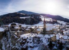 Gufidaun-Klausen in Südtirol; Das schmucke Dorf oberhalb Klausen (c) Rene Gruber (Tourismusverein Klausen)