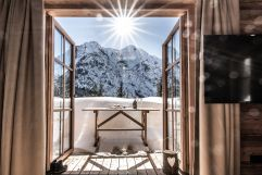 Herrlicher Blick auf verschneites Bergpanorama (c) ratko-photography (Benglerwald Berg Chaletdorf)