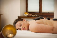 Hot Stone Massage (Gut Edermann)