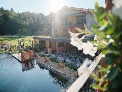Hotel MorgenZeit im Sonnenschein (c) Youngmedia