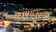 Hotelansicht bei Nacht (Hotel Granbaita Dolomites)