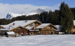 Hotelansicht im Winter (Tirler-Dolomites Living Hotel)