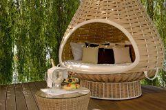 Im Nestrest entspannen bei einem Glas Sekt (KOLLERs Hotel)