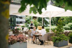 Superior-Service auf der Hotelterrasse (c) Die West Werbeagentur (Gourmet & Relax Resort Trofana Royal SUPERIOR)