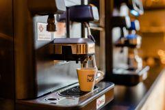 Kaffeemaschinen am Frühstücksbuffet (c) Karin Bergmann (Ratscher Landhaus)