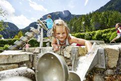 Kinder beim Spielen in den WasserWelten Krimml (c) Michael Huber (Ferienregion Nationalpark Hohe Tauern)