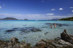 Kinder spielen im Meer (c) Andrea Getuli (VOI Hotels)