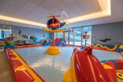 Kinderbecken im hoteleigenen Hallenbad im Leading Family Hotel Dachsteinkönig (c) www.360perspektiven.at