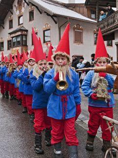 Kindermusikgruppe beim  Nassereither Schellerlaufen (c) Fasnachtskomitee Nassereith (Imst Tourismus)