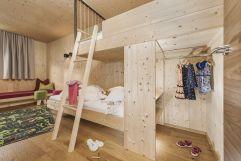 Kinderzimmer im Family-Suite (c) Jan Hanser (Alpina Zillertal)